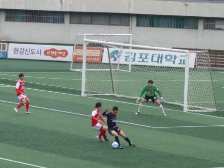 Pocheon on the attack.