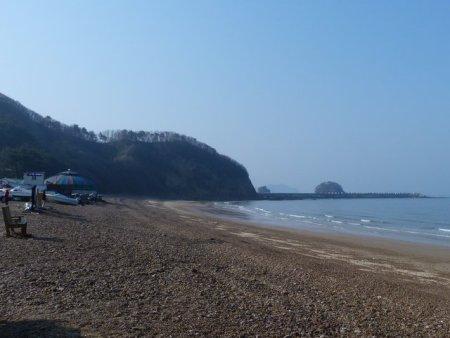 Bangpo beach the next morning.