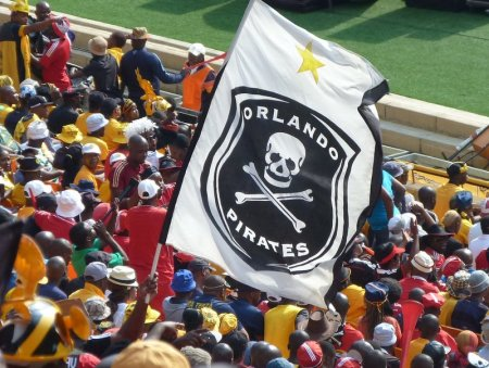 1 - pirates flag